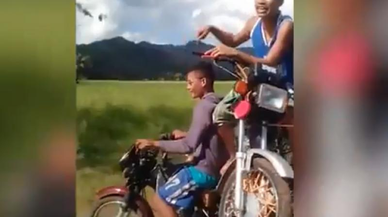 Anamused traveler took the video which shows the bizarre stunt.(Photo: Youtube/WaseemKhizer)