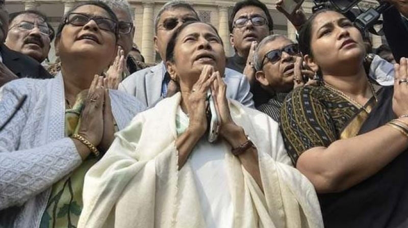 West Bengal Chief Minister Mamata Banerjee on Saturday led a candlelight march to protest the Pulwama attack. (Photo:PTI)