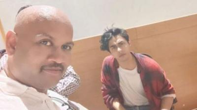 Lookout notice issued for man in viral selfie with Aryan Khan at NCB office