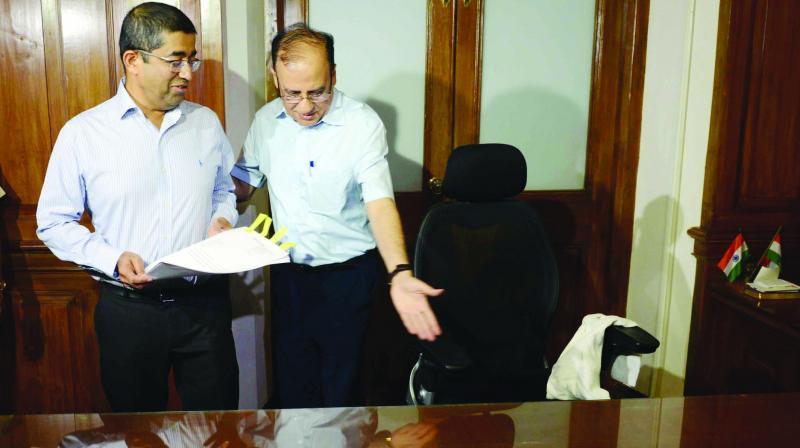 Praveen Pardeshi succeeds Ajoy Mehta as municipal commissioner on Monday. (Photo: Rajesh Jadhav)