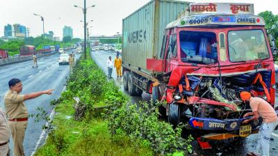 Sion-Panvel highway sees heavy traffic