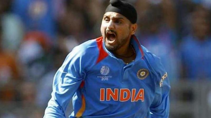 Indian off-spinner Harbhajan Singh may soon announce his retirement from International cricket to play in England's new city-based franchise league 'The Hundred'. (Photo:Twitter)