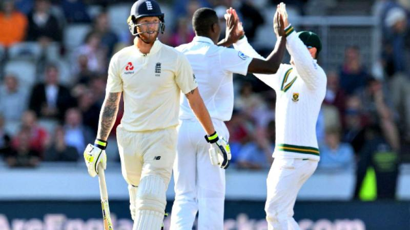 How do England score enough runs and take 20 wickets a match to be a competitive Test side away from home? These are the stark questions confronting Joe Root's men ahead of a four-Test tour of South Africa. (Photo:AFP)
