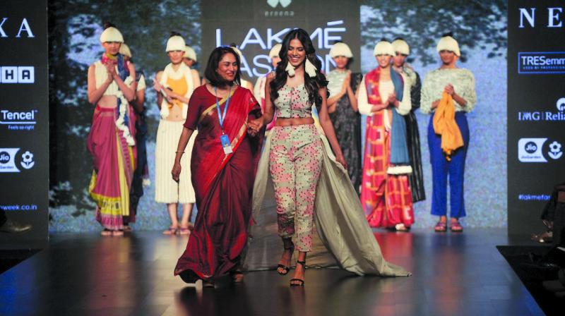(L) Jyoti Reddy, (R) Showstopper Malavika Mohanan