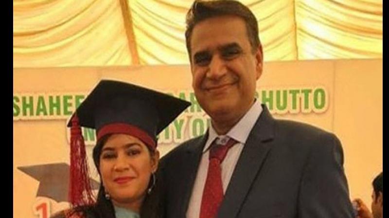 According to Pawan Kumar Bodan, her father, Suman Kumari wants to provide free legal assistance to the poor in Qambar-Shahdadkot. (Photo:Twitter)