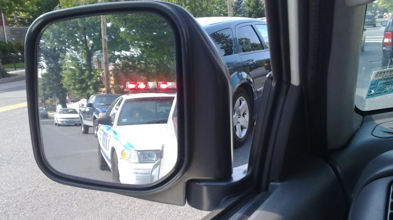 "Video starts recording if one tells their iPhone ""Hey Siri, I'm getting pulled over,"" so if police misbehaves, it would be caught on camera. (Photo 