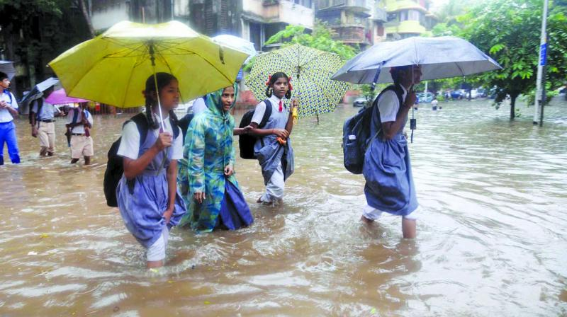 Water-logging occurred in the areas near Mumbai's King Circle railway station and Gandhi market. (Photo: File)
