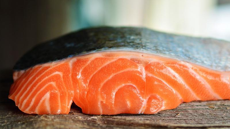 The study, conducted by scientists at Harvard University say women who eat fewer than two servings of fish a week should consider taking fish oil tablets. (Photo: Pixabay)