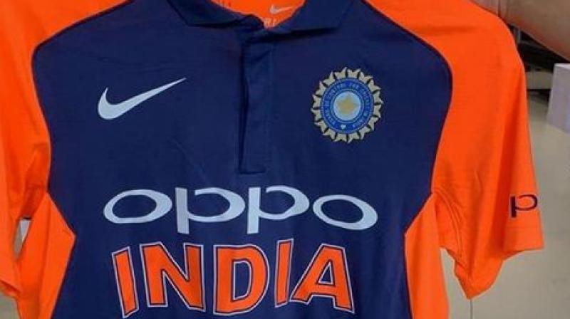 Sp Mla Abu Azmi Opposes Saffronisation Of Team India S