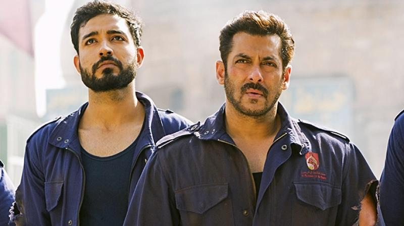Salman Khan and Paresh Pahuja in 'Tiger Zinda Hai'.