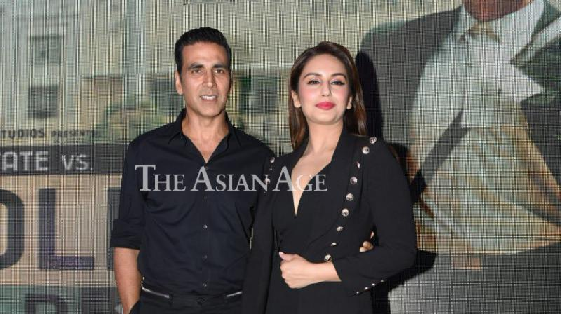 Akshay Kumar and Huma Qureshi looked great together as they promoted their upcoming film 'Jolly LLB 2' in Delhi on Tuesday. (Photo: Viral Bhayani)