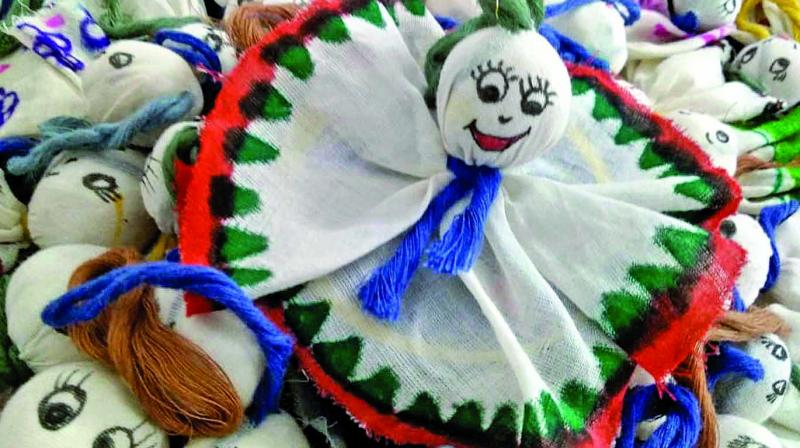 The most surprising part about these cute little Chekuttys is tha they not only represent the revival of the handloom industry in Kerala, but also forms the mascot of resurrection of an entire stat that was ravaged by floods.