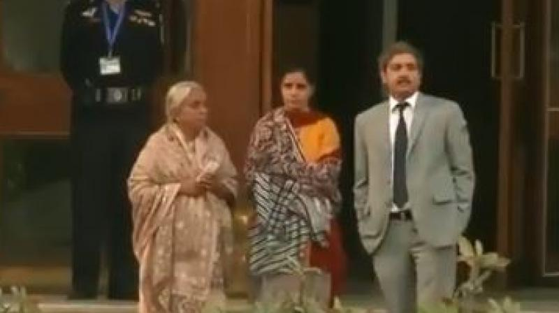 Jadhav's mother and wife did not respond to any of the posers by Pak media and in the footage it was seen that they turned away from the media and went inside. (Photo: Screengrab)