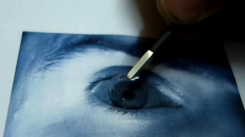 The hack was performed using an infrared photo of the eye with a simple contact lens over it.