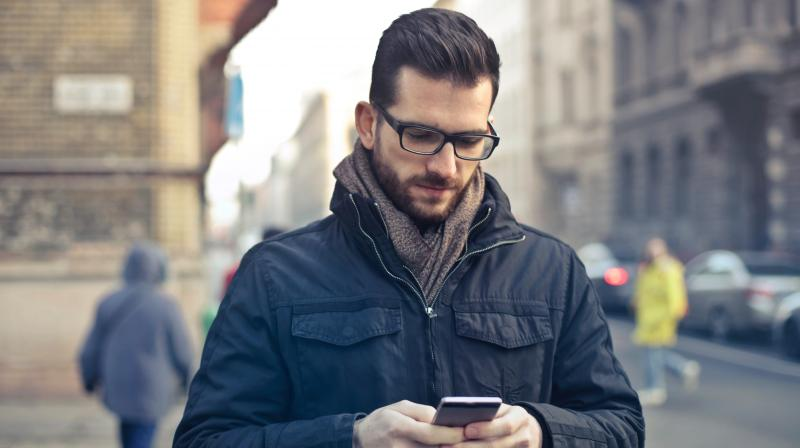 Keeping the cell phone in front pockets for over 4 hours daily is found to be associated with the percentage of immature sperms.  (Photo: Pexels)