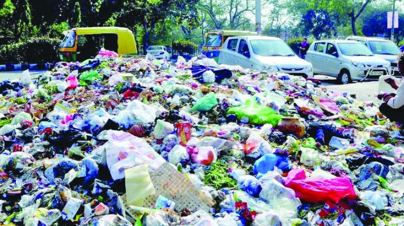 In the present situation, contractors only provide vehicles to carry garbage from the collection centres to the dumping grounds.