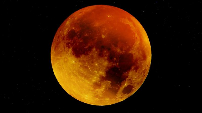 Although it is a total eclipse, the moon will never go completely dark but rather take on a coppery red glow. (Photo: Pixabay)