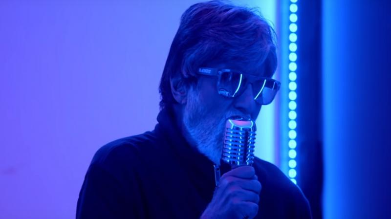 Screengrab of Amitabh Bachchan from the song 'Aukaat'. (Courtesy: YouTube/Zee Music Company)
