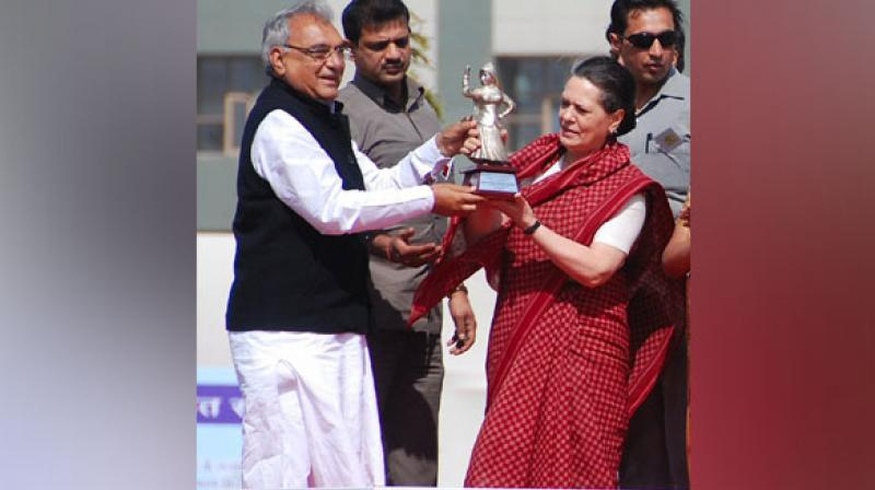 Expressing gratitude towards Congress president Sonia Gandhi for giving him the huge responsibility, Hooda tweeted in Hindi, 'I want to assure Sonia ji that with the cooperation and support of all of you, we will overthrow this anti-people government based on plunder and lies. We will work together for brotherhood and development in Haryana.' (Photo: ANI)