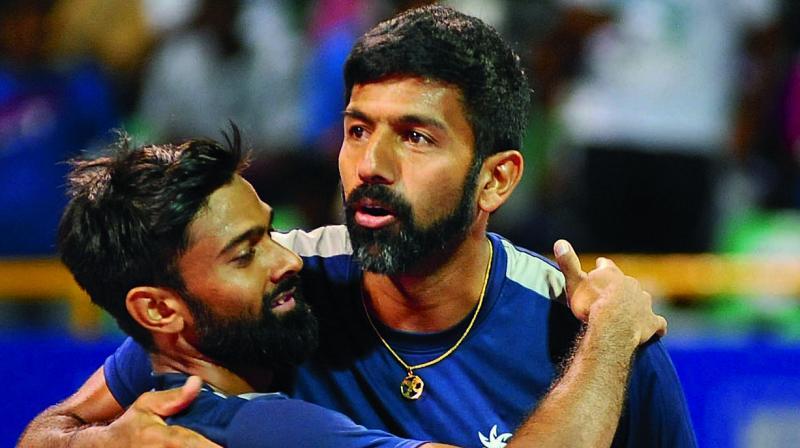Rohan Bopanna and Jeevan Nedunchezhiyan celebrate their title win in Chennai. (Photo: E.K. Sanjay)