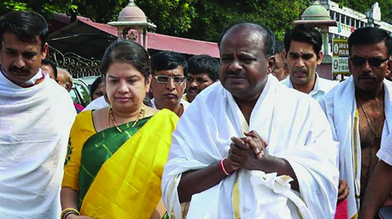 Karnataka CM-designate H.D. Kumaraswamy visits Manjunatha Swamy temple, a day before his swearing-in ceremony, in Dharmasthala. (Photo: PTI)