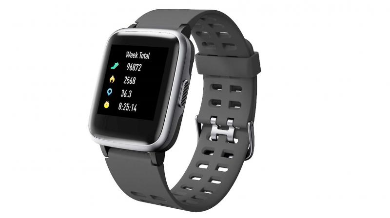 A lightweight 38gram body that belies its chunky 1.3-inch rectangular stainless steel encased touch display, the SW 75 goes where few have ventured when it comes to tracking your physical activities.