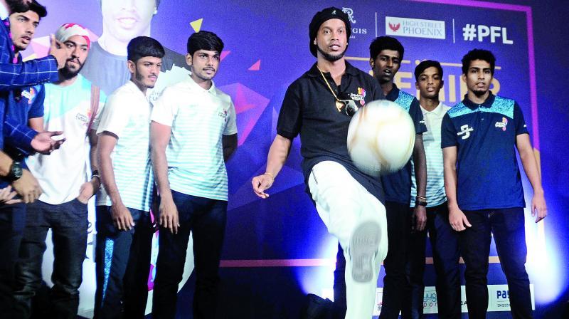 Ronaldinho showing his footballs skills during the promotional event. (Photo: Sripad Naik)