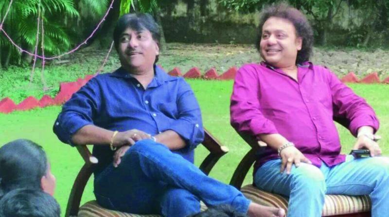 Ustad Rashid Khan with Pandit Tanmoy Bose.