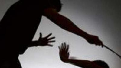 Prof beaten, students forced to chant 'Mamata Zindabad'