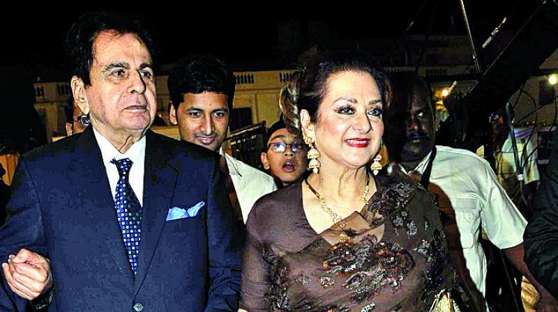 Dilip Kumar and wife Saira Banu