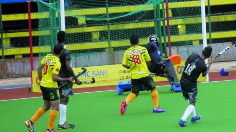 The Armymen managed to cut the lead when Chandan Aind, who also recorded a hat-trick, converted from a penalty corner in the 35th minute.