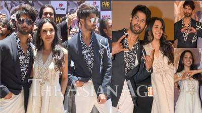 On Monday, Shahid Kapoor and Kiara Advani launched the trailer their upcoming film, Kabir Singh. Following the dialogue of the movie, the Kabir Singh jodi was a rebel without a cause at the trailer launch event. (Photos: Viral Bhayani)