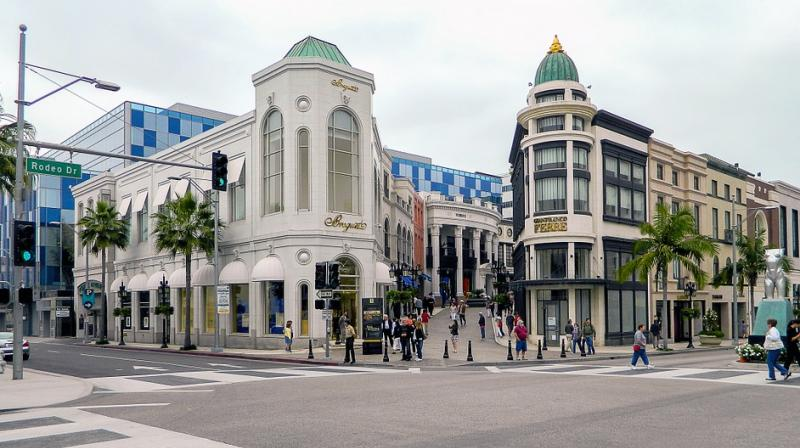 Being a World Class shopping destination, Beverly Hills has a lot to offer for adults and children alike. (Photo: Pixabay)