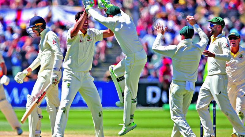 Mitchell Starc celebrates an English wicket. (Photo: AP)