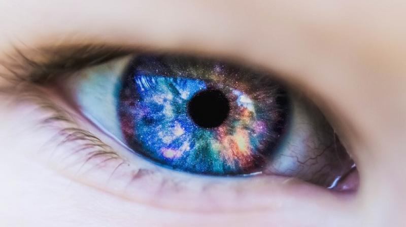 She woke up screaming and crying because her eyes were burning like fire (Photo: Pixabay)