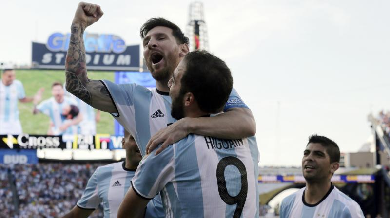 'My cycle with the national team is over, now I'm watching things from the outside, to the joy of many people', Higuain said in an interview with Fox Sports on Thursday. (Photo: AP)