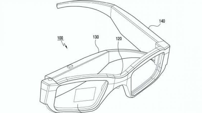 Like advanced AR glasses, Samsung's option will display a translucent images that shows up on top of the user's field of vision — most likely making use of waveguide technology to diffract the projection so as to convey 3D depth.