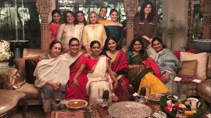 Jaya Bachchan hosts a bash for Filmfare Award winners (Female).
