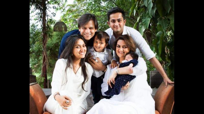 Vivek Oberoi with his wife Priyanka Alva and his brother in law Aditya