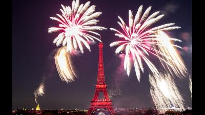 Paris hosted the traditional fireworks on the Eiffel Tower on Sunday, July 14 to celebrate the French national day, Bastille Day. (Photo: AP)