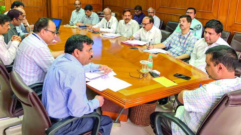 Chief minister Arvind Kejriwal during a meeting with Delhi Jal board officials at the Delhi secretariat on Thursday before living for Bengaluru. (Photo: PTI)