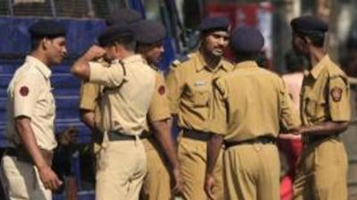 Mumbai Police congratulates Team India using signals