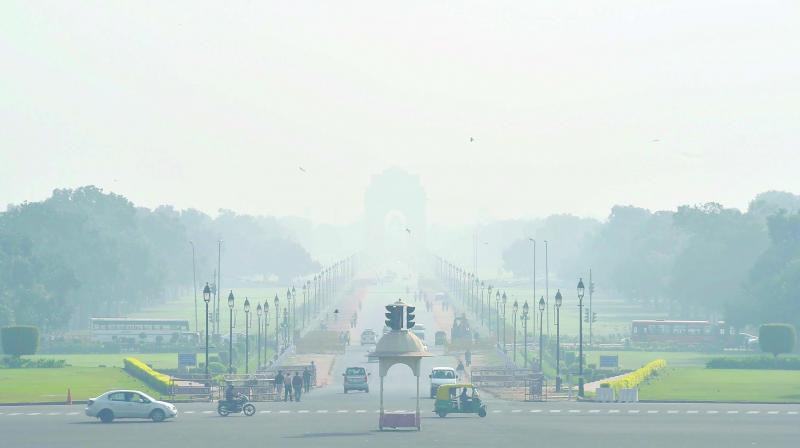 Authorities attribute dip in air quality to localised factors like construction dust, vehicular pollution as well as regional factors like pollution due stubble burning from Punjab and Haryana. (Photo: File)