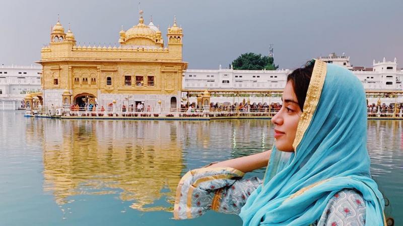 Janhvi Kapoor at Golden Temple. (Photo: Instagram)