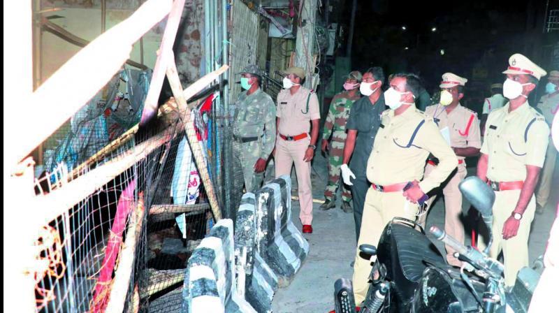 Guntur Rural SP Ch. Vijaya Rao, along with other officials, inspects a red zone at Varavakatta area in Narasaraopet town of Guntur district. Tejo Roy Eleti