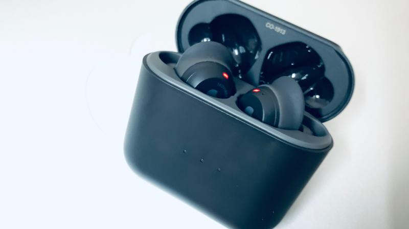 With the Skullcandy Indy featuring similar design cues as the Apple AirPods, comparisons can't be helped.
