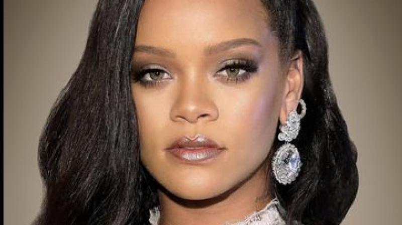 Rihanna (Twitter)