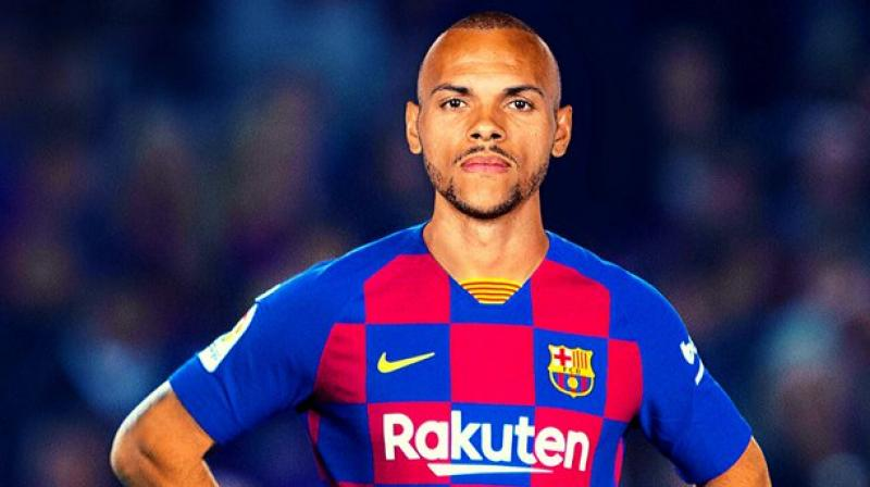 Martin Braithwaite poses in the Barcelona jersey. Twitter Photo