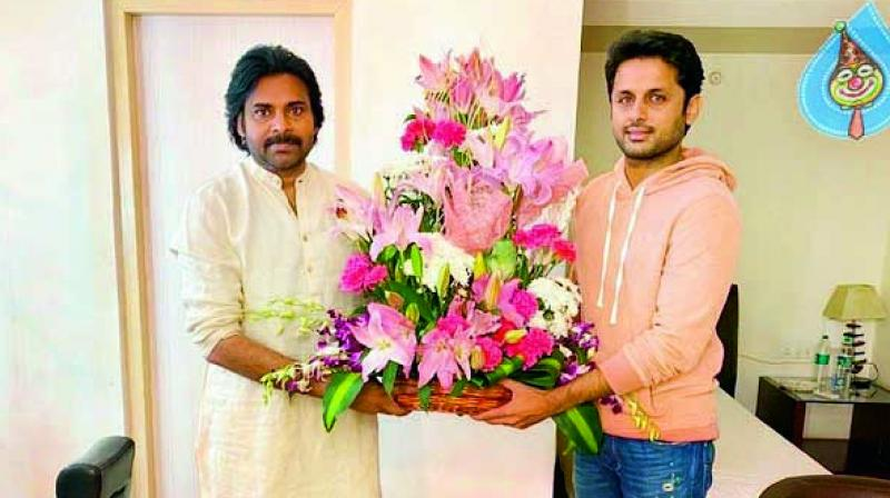 Director Venky, actor Nithiin and producer Vamsi met Pawan Kalyan while he was shooting for the Dil Raju film.