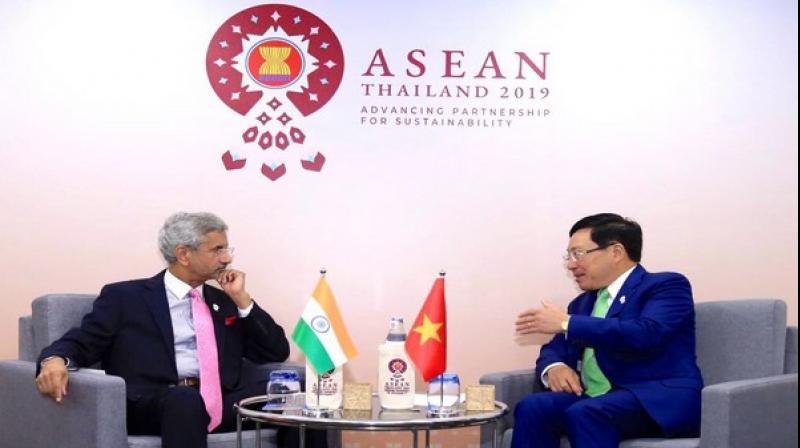 External Affair Minister S Jaishankar with his Vietnam counterpart Pham Bing Minh in Bangkok. (Photo: ANI)